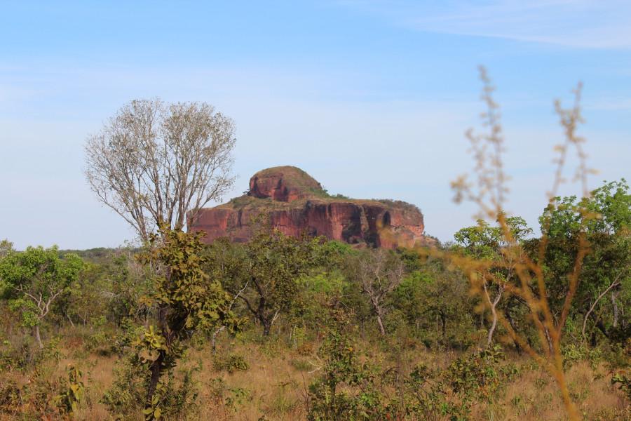 Morro da Cruz, localizado a 32km de Ponte Alta do Tocantins, é umas das belezas naturais de contemplação que a região do Jalapão oferece! Fotos: Cleber Matos/ #Venha conhecer o Jalapão!